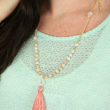 Tassel Chain Link Necklace in Pink