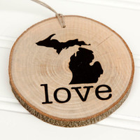 Michigan Love state shape Maple wood slice ornaments - Set of 4.  Wedding favor, Bridal Shower, Country Chic, Rustic, Valentine Gift