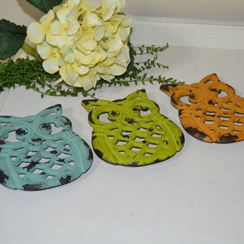One Shabby Owl Trivet Aqua  Chartruese Lime   Orange Kitchen Home Decor