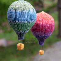 Hot air balloons, handknit mobile hangers, spring gift and decoration, gift for kids and adults, baby shower