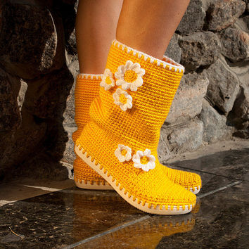 Crochet Boots Outdoor Boots Daisy Boots Woman by JoyForToes