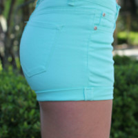 Cuffed Mint Short