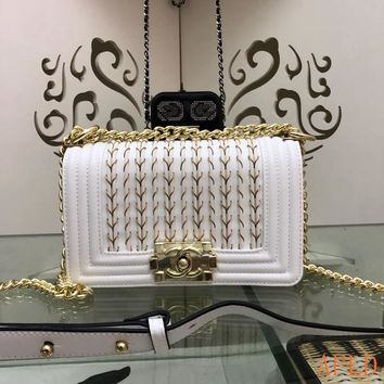 HCXX 19Aug 689 Fashion Embroidered Chain Flap Bag Leather A67086 Baguette 14.5-20-8cm