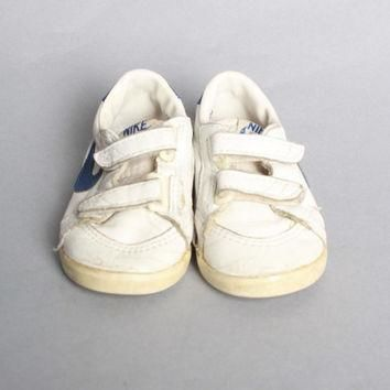 80s BABY NIKE SNEAKERS / 1985 Classic Leather Swoosh Baby Shoes, sz 4.5