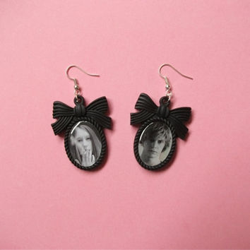 Tate & Violet American Horror Story Cameo Earrings by Kushtea