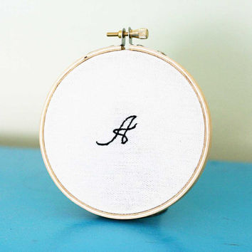 Embroidered single monogram 4 inch hoop by makenziandmadilyn