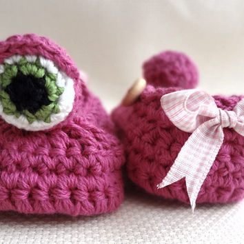 Pink Baby Monster Booties with Bow by beliz82 on Etsy