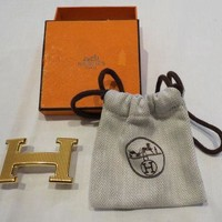 ONETOW Hermes 'H' Belt Buckle in gold metal