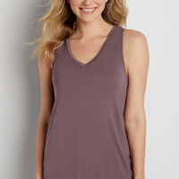the 24/7 solid v-neck tank | maurices
