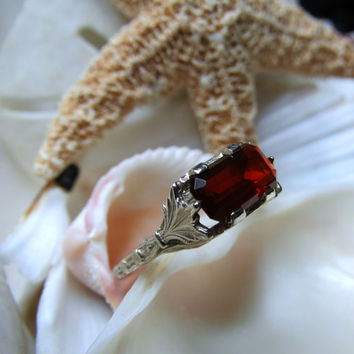 14k Mexican Cherry Fire Opal Ring 3.22g Size 6.5