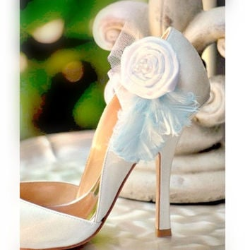Shoe Clips White or Ivory Pearls Feathers. Handmade, Feminine Baby Sky Bleu Azure Pastels, Couture Bride Bridal Bridesmaid, Winter Fun Trend