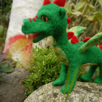 needle felted dragon, waldorf dragon, felt green dragon, felted fairytale dragon, green dragon, miniature dragon, fairytale sculpture