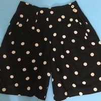Vtg Black and White Polka Dot Shorts / Retro Fit MOD High Waist Rayon Shorts / FIRST ISSUE by Liz Claiborne / Sporty Casual Summer Fashion
