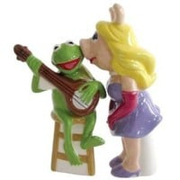 Westland Giftware Miss Piggy Kissing Kermit Salt and Pepper Shakers
