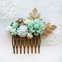 Green Wedding Hair Comb, Elegant Mint Wedding Bridal Comb, Gold Leaf Flower Headpiece, Pastel Bridesmaid Gift Hair Pin, Hair Slide For Bride