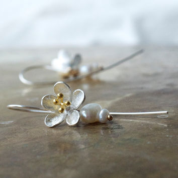 Modern bridal pearl earrings Mixed metal flower earrings Gold and silver earrings Cherry flower Sakura jewellery Floral bridesmaid earrings