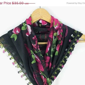 ON SALE Turkish Oya scarf - Black Floral  - Crochet Flower Oya Lace Edges - Square Headscarf -  Turban Headwrap