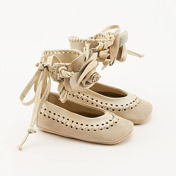 Beige baby shoes made from braided leather and by Vibys on Etsy