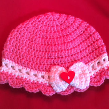 Valentine's Day hat, baby photo prop hat, heart, sweetheart, pink baby hat, baby beanie, gift idea, baby shower gift, heart button, handmade