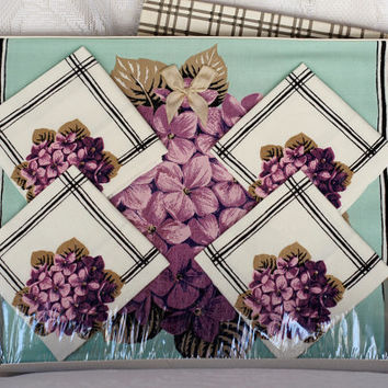 EXQUISITE Dunmoy Vinage Tablecloth and Napkin Set in original Box Mint Green with Purple Hydrangeas and Black Check Border