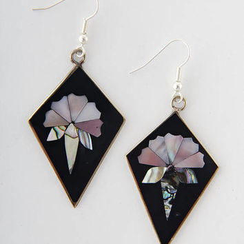 Mexican earrings art deco inlaid shell flower mother of pearl, abalone shell, dangly 44mm black pink white fairtrade earrings Mexico (M1021)