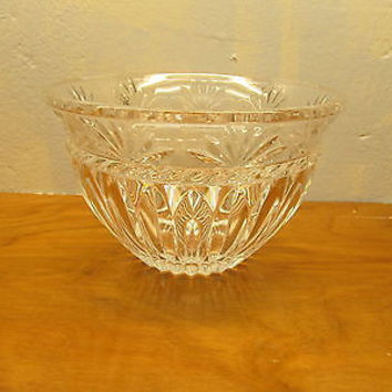 VINTAGE 24% LEAD CRYSTAL SERVING BOWL