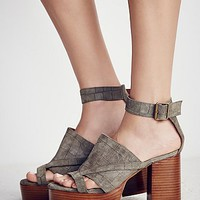 Free People Axel Platform