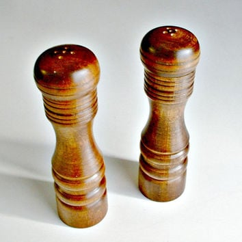 Vintage Wooden Shakers Set  Salt  Pepper With Original Box Japan