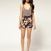 Motel | Motel Summer Wallflower Ethel Pleat Front Shorts at ASOS