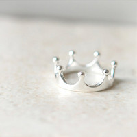 Simple Crown Ring in sterling silver / Adjustable ring by laonato