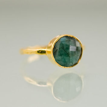 Raw Emerald Ring - Gemstone Ring - Gold Ring - Bezel Ring - May Birthstone Ring - Mother's Day Gift