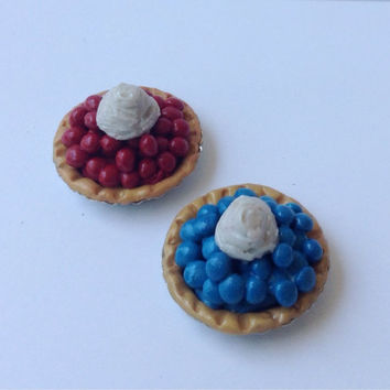 Set of 2  American Girl doll  food - 2 pies -1 blueberry and 1 cherry pie