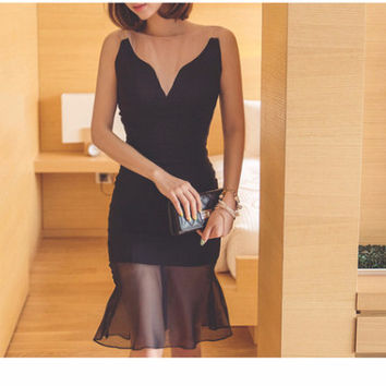Black Flounce Hem V-Neck Lace Bodycon Dress