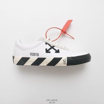 Off White  Off Court  Virgil Abloh Vulc Low Top White Sneakers
