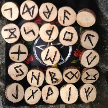 Elder Futhark hand made rune set for divination, Nordic Asatru Viking Germanic Heathen pyrographed wooden rune set