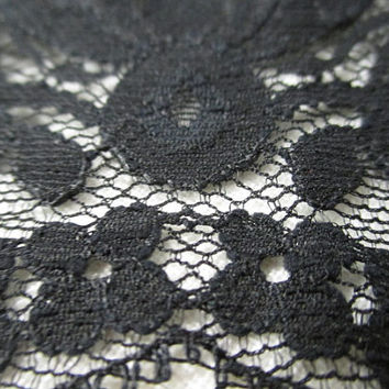 vtg black lace, scalloped vtg lace, 4 inch wide, steampunk lace, vtg sewing notions, goth lace supply, decorative ribbon, ornate vtg lace