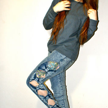 90's DEADSTOCK Low Rise Cut Out Bow Acid Wash Skinny Jeans XS