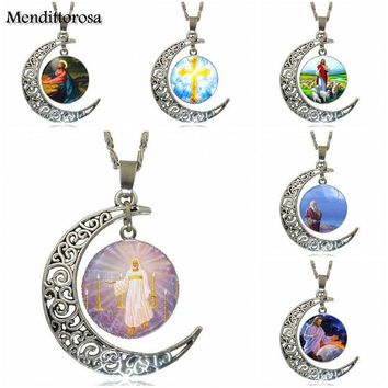 Mendittorosa For Unisex Gift Fashion Necklace Handmade Moon Shape Choker Necklace Jewelry Multi Designs Jesus Christ Christian