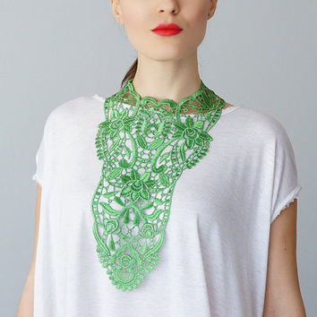 Green Necklace Venise Lace Necklace Lace Jewelry Bib Necklace Statement Necklace Body Jewelry Lace Fashion Fashion Accessory / ERCOLA