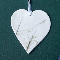 Porcelain Hanging Decoration Pressed with Garden Leaves