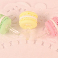 macaroon dust plug - i phone accssories - miniature food - polymer clay food - phone charm