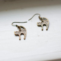 Cat earrings fun and cute cat charm earrings in hammered antiqued bronze