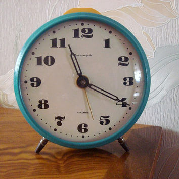 "Big Working mint mechanical alarm clock ""Yantar"" Soviet mechanical clock made in USSR in 1970 Home decor"