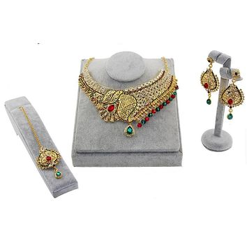 Indian Kundan Jewelry Set