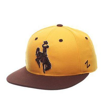 Licensed Wyoming Cowboys Official NCAA M15 Size 7 1/4 Fitted Hat Cap by Zephyr 114834 KO_19_1