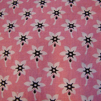 "Vintage 1930s Floral Fabric Cotton Small Print Pink with White Flowers 30"" wide"
