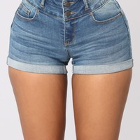 Jessica Booty Lifting Shorts - Medium Wash