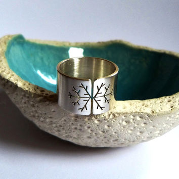 Snowflake ring, statement silver ring, wide band ring, metalwork jewelry, satine finish, winter ring, Christmas gift