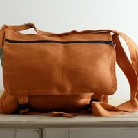 Romanian Hemp Classic Messenger Bag on Eco Market