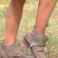 El Paso Taupe Distressed Suede Ankle Boots With Zipper Detail Model Shoe SZ 8